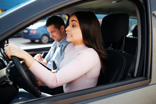 Drive A Car Properly On Road By Hiring Driving Instructor